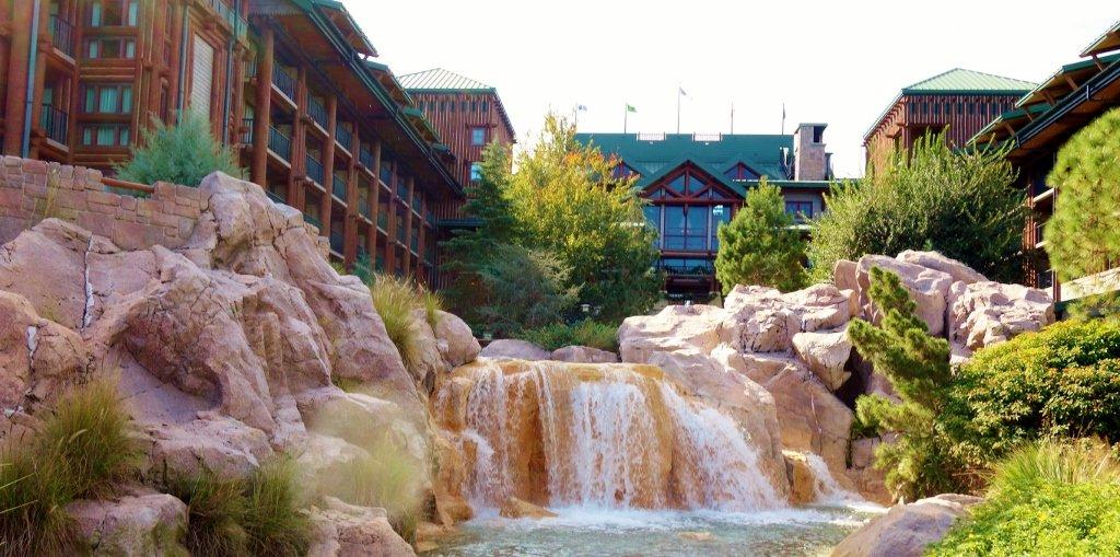 Disneys-Wilderness-Lodge-from-yourfirstvisit.net_